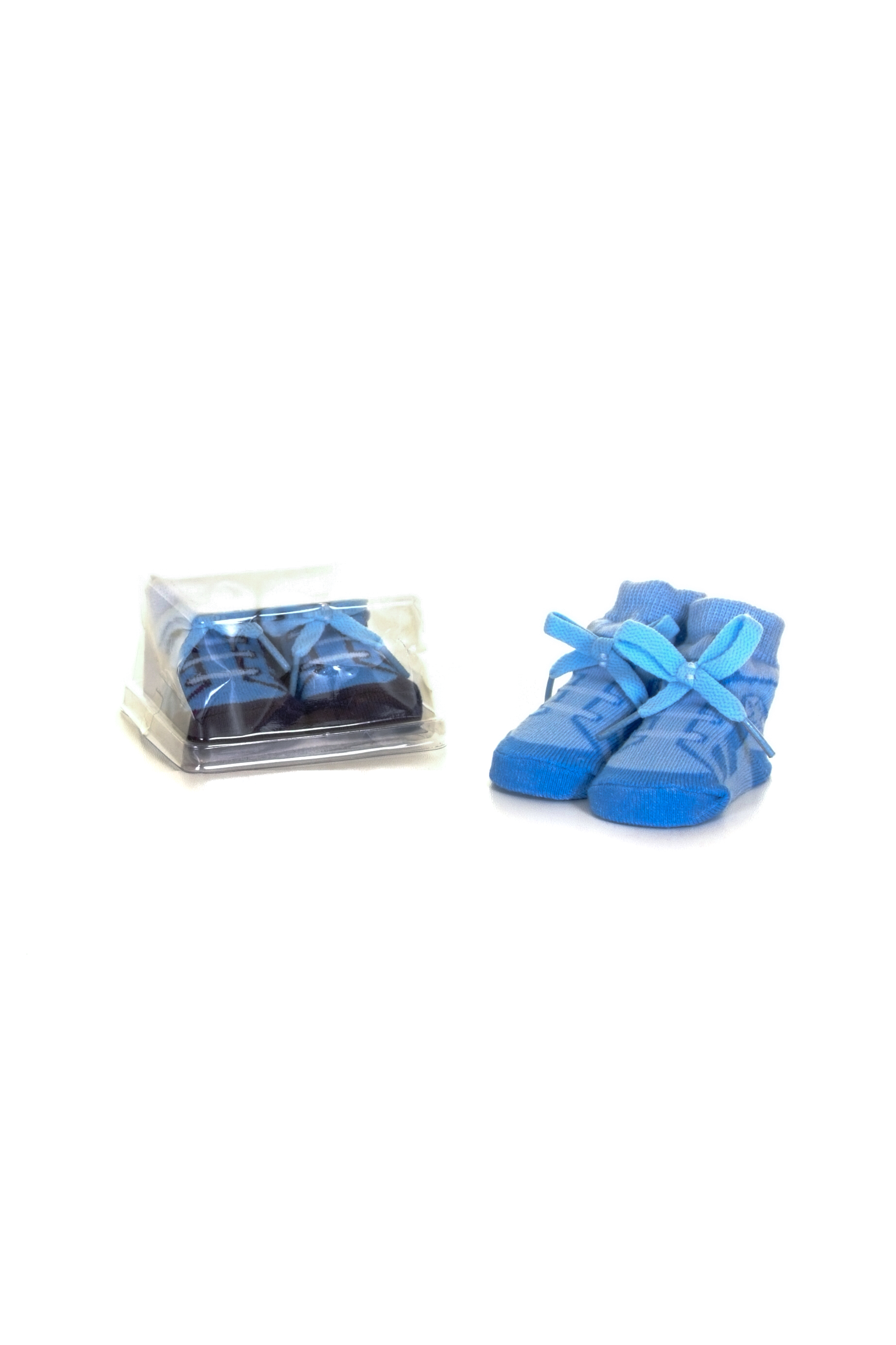 baby boys blue booties gift box E
